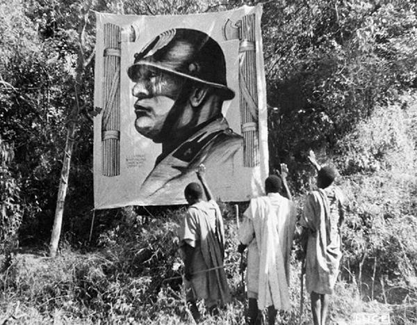Mussolini arcképe Etiópiában