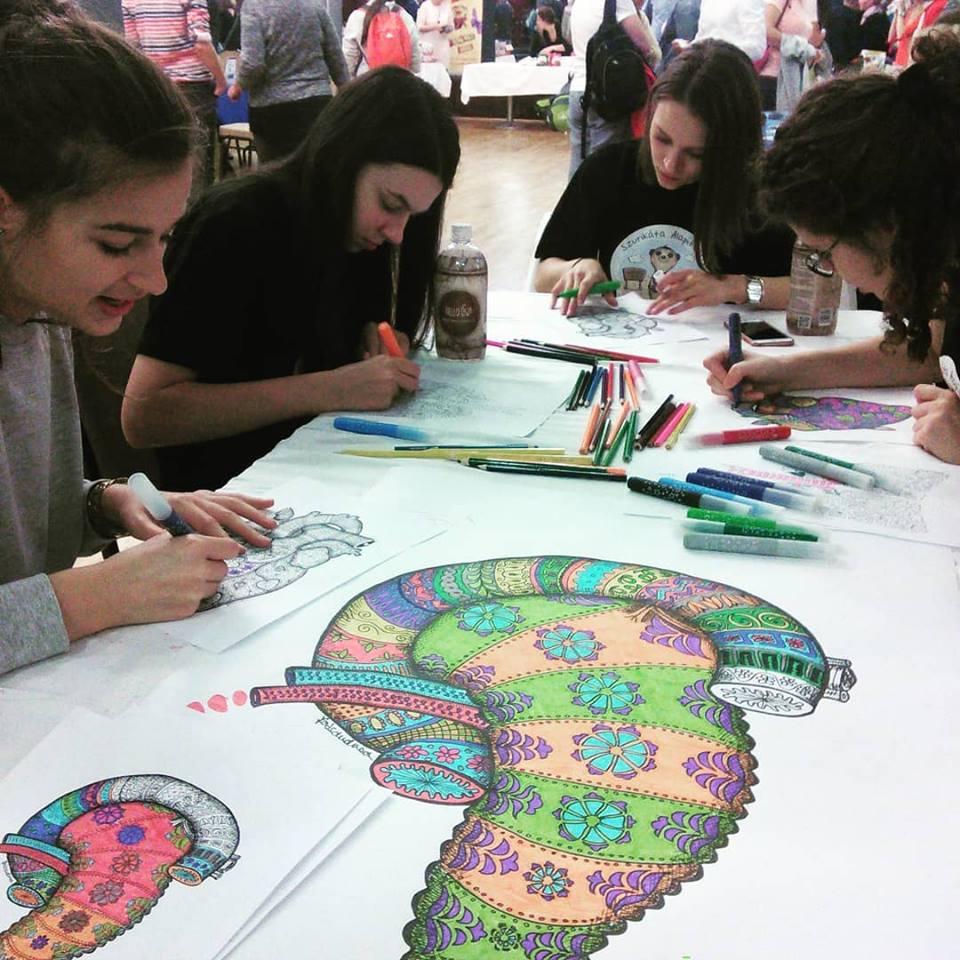 Amennyi munkaórát igényel ennek a színezése, addigra biztos megtanulják a gyerekek hogy néz ki a hasnyálmirigy és a patkóbél