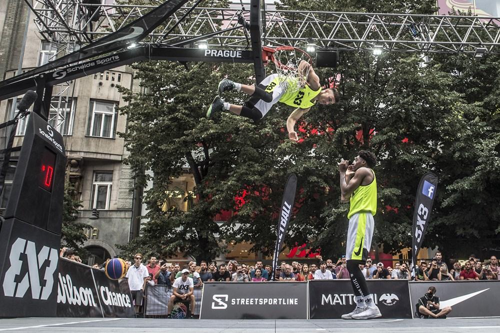 A B33-as eseményeket zsákolóshow-k színesítik. Forrás: http://www.fiba.basketball