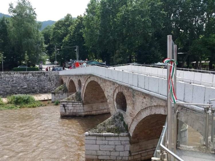 Sarajevo_híd2