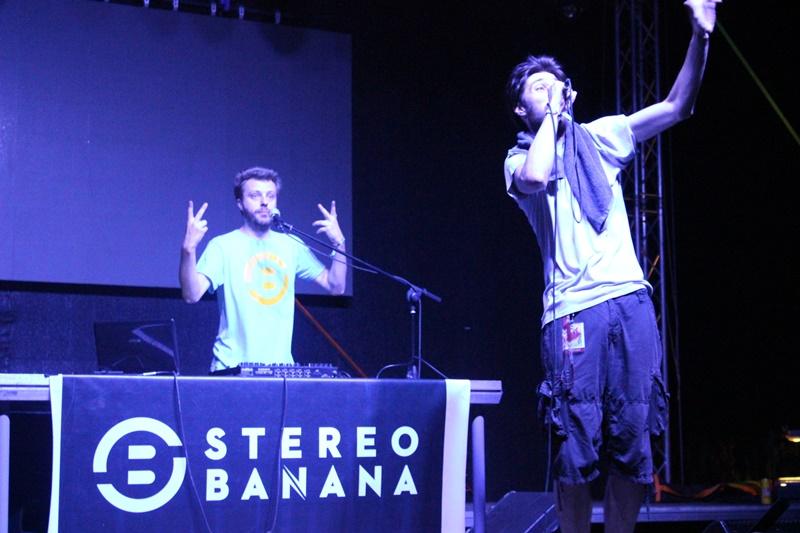 Stereo Banana