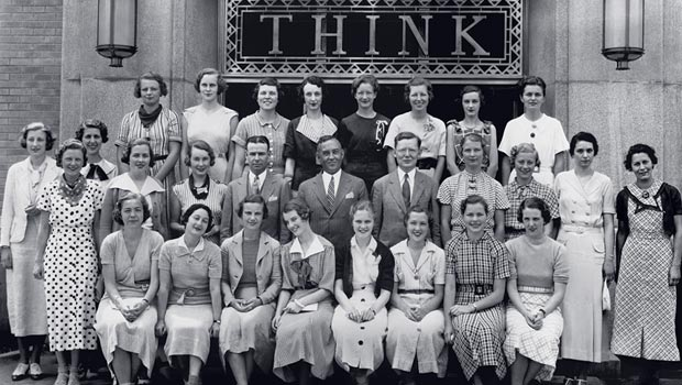 Az IBM egy csoportja a cég indulásának korai éveiben