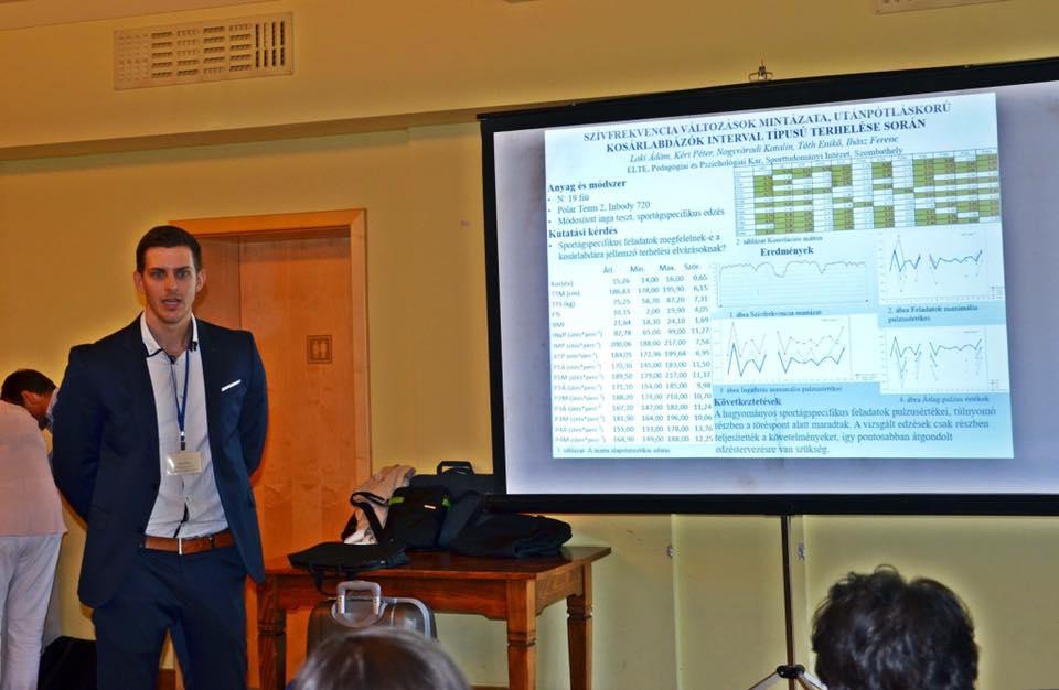 Laki Ádám TRX gyakorlatokkal készül a február 8-i konferenciára! Fotó: Facebook