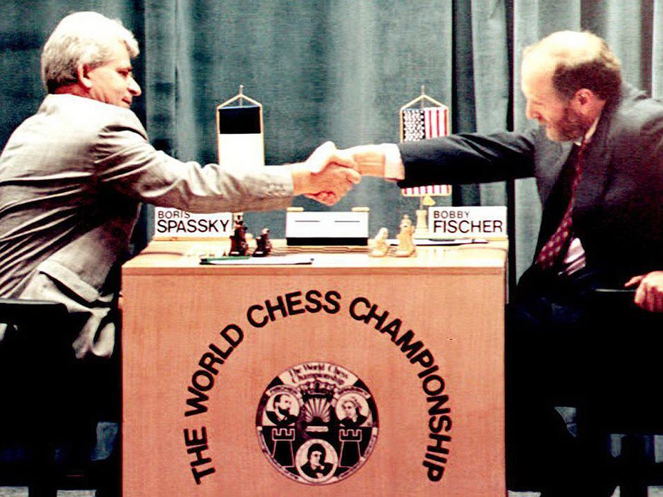 Fischer és Szpasszkij 1992. november 5-én Belgrádban, az 1972-es sakkvilágbajnoki döntő visszavágóján