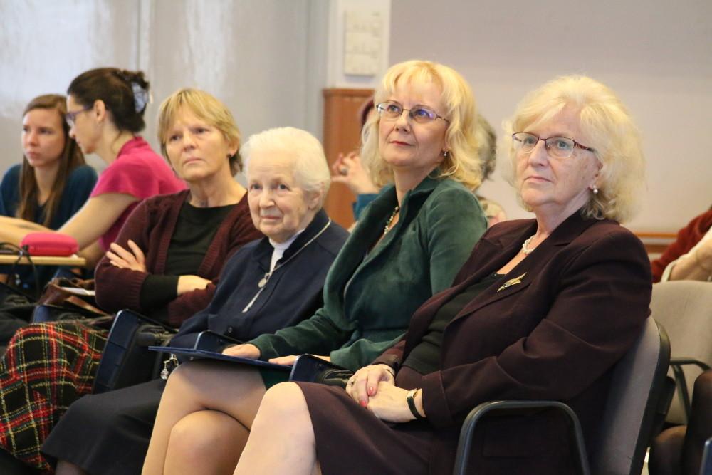 Balról jobbra: Szokolszky Ágnes, Ranschburg Ágnes Hildegard, Papp Gabriella, Gereben Ferencné
