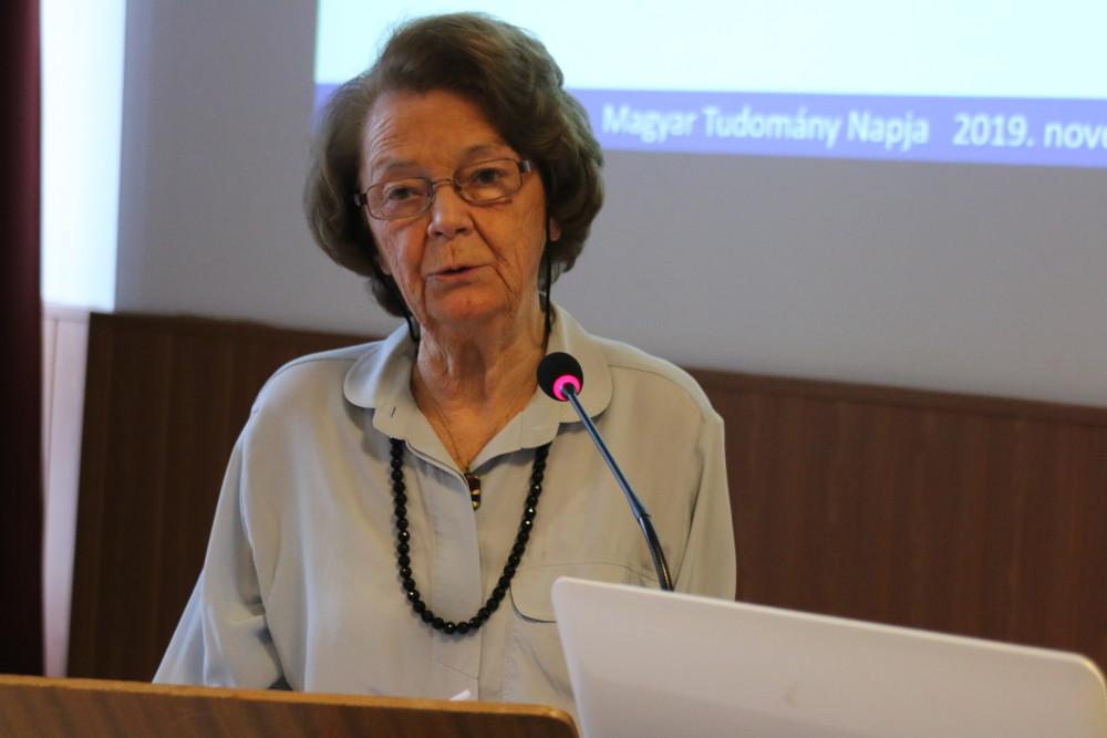 Lányiné plenáris előadása