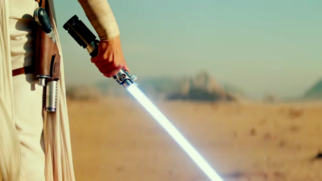SW IX RoS - Rey and her fixed saber