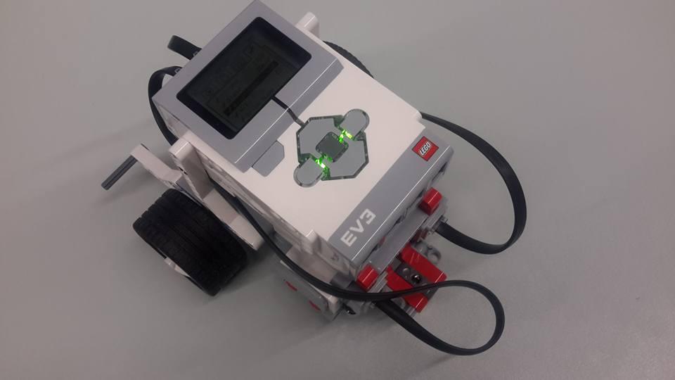 hivatalos facebook oldal  Lego Mindstorms EV3 robot