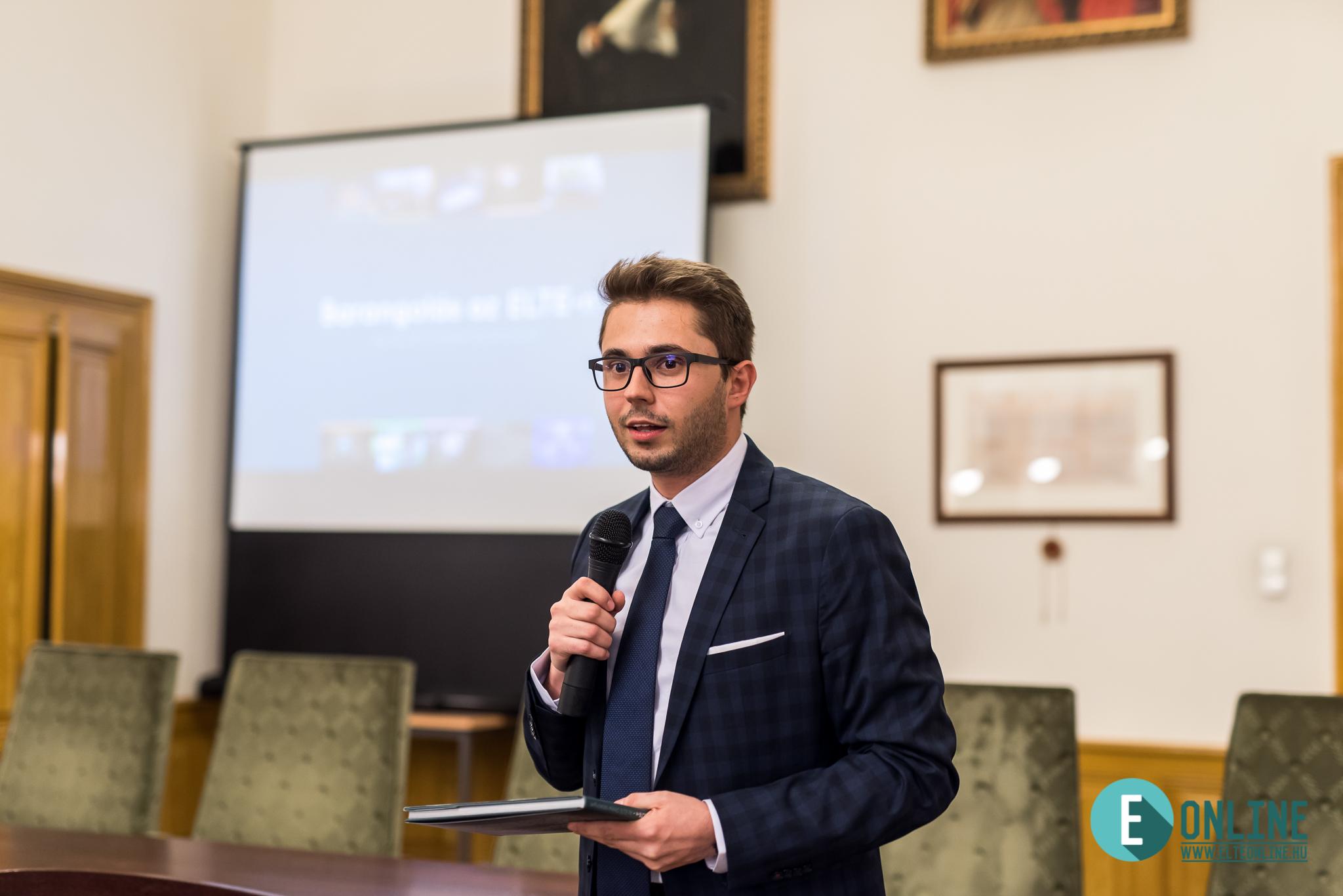 Csomos Attila, az ELTE Online főszerkesztő-helyettese
