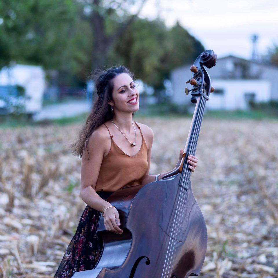 Varga Veronika, a Babra zenekar nagybőgőse és énekese Fotó: Sivák Zsófi